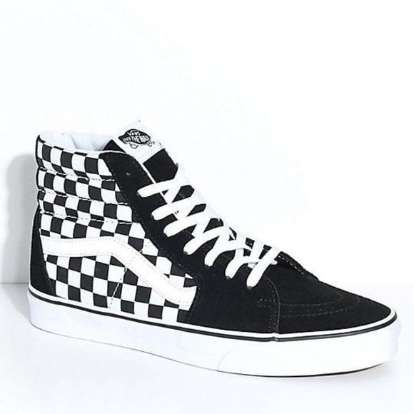 7e5ec9b5547a38 Vans Poshmark Skate Shoes Black Sk8hi White Checkered rWrHaZc